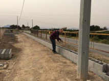 Rod building new boundary wall February 2017