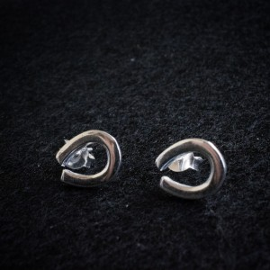Horse shoe silver earrings